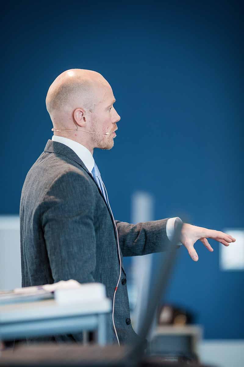 taler København ved konference og housewarming