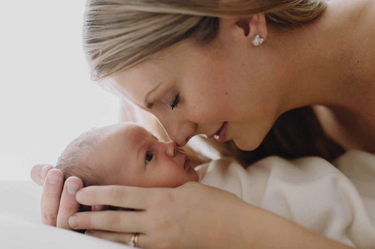 Giv jeres familie et minde for livet med skønne professionelle fotos af den nyfødte i København